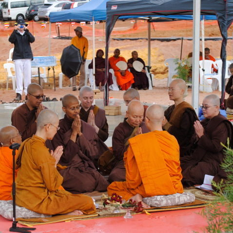 3-about_Dhammasara-bhikkhuni-ordination-2014